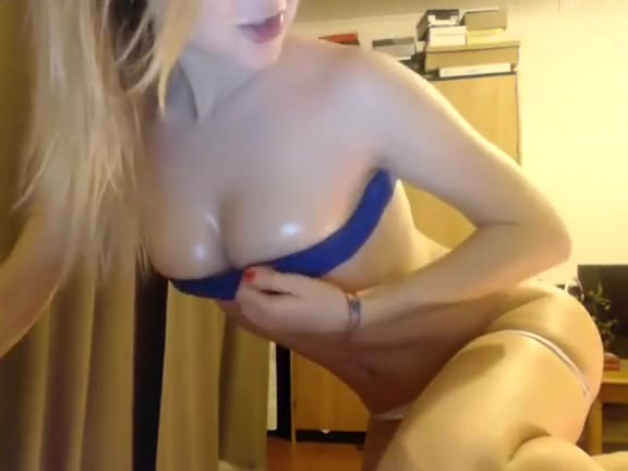Squirting girls in public